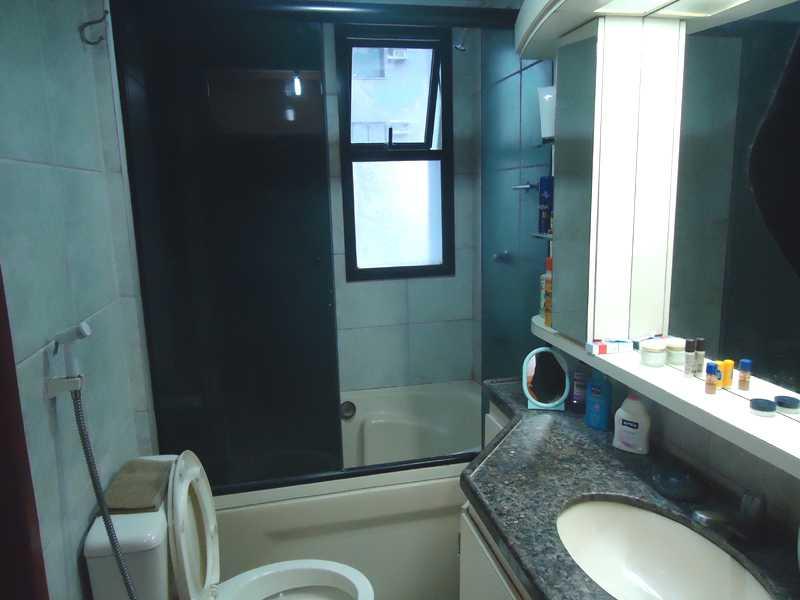 Pin Banheira Em Apartamento Pequeno Preço Modelos E Dicas De Compra on Pinte -> Banheiro De Apartamento Com Banheira